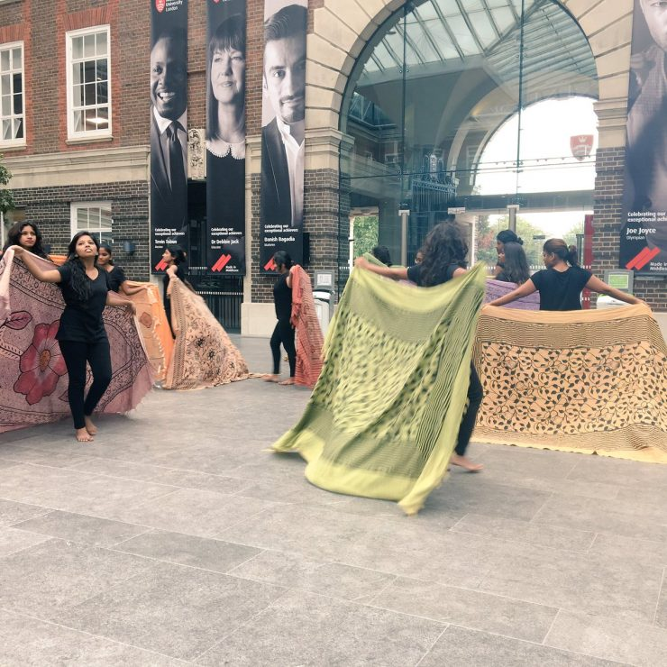 Photo by Ileana Jiménez of a performance by Kranti Mumbai girls